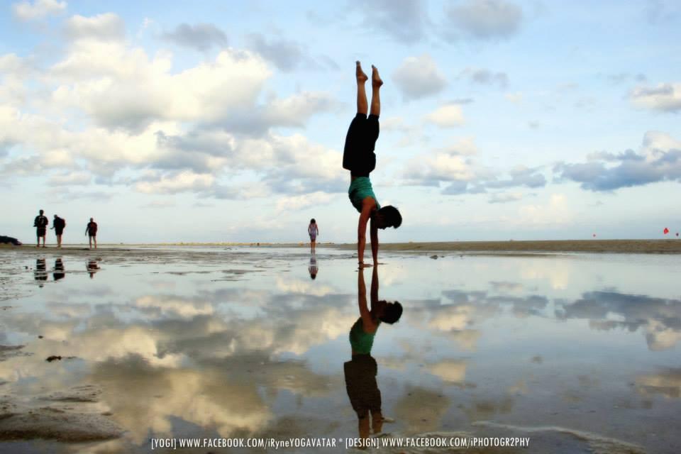 iryne yogavatar handstand